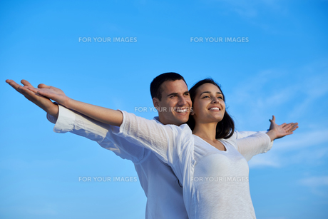 happy young romantic couple have fun and  relax at homeの写真素材 [FYI00762684]