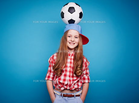Girl with soccer ballの写真素材 [FYI00762830]