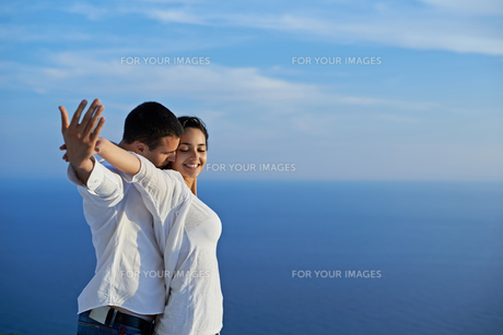 happy young romantic couple have fun and  relax at homeの写真素材 [FYI00763013]