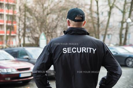 Security Guard Wearing Jacketの写真素材 [FYI00763027]