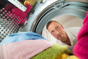 Man View From Inside The Washing Machineの写真素材 [FYI00763228]
