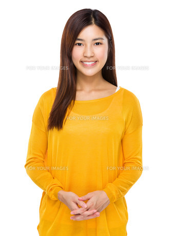 Beautiful young chinese model posing with confidenceの写真素材 [FYI00763498]