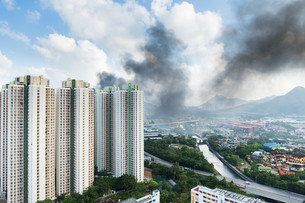 Fire accident in apartment buildingの写真素材 [FYI00763701]