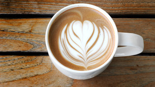 lattee art coffee cupの写真素材 [FYI00763706]