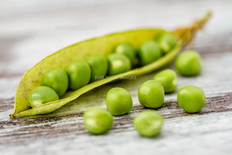 Fresh Green Peasの写真素材 [FYI00764165]