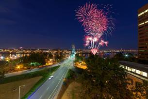 4th of July Fireworks Portland Oregonの写真素材 [FYI00764225]