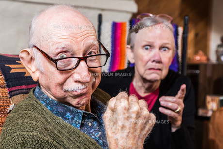 Tough Elderly Coupleの写真素材 [FYI00764267]
