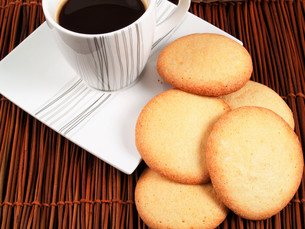 Homemade cookies with coffeeの写真素材 [FYI00764511]