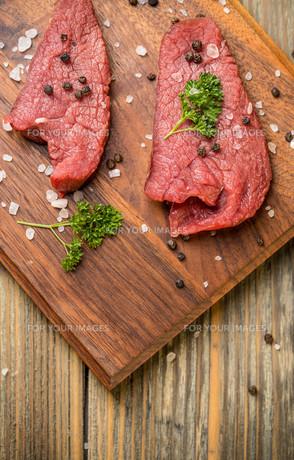 Raw beefの写真素材 [FYI00764591]