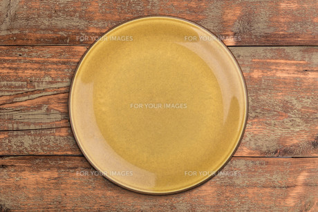 Brown plateの写真素材 [FYI00764593]