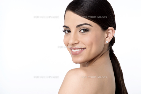 Young woman face with clean skinの写真素材 [FYI00764635]