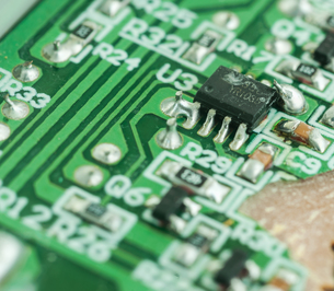 Closeup of an electronic printed circuit boardの素材 [FYI00764722]