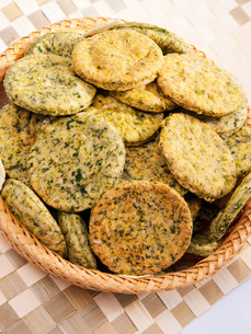 Homemade biscuits with spinach,Homemade biscuits with spinach,Homemade biscuits with spinach,Homemade biscuits with spinachの写真素材 [FYI00764851]