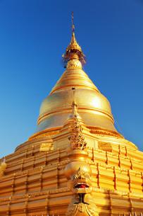 Kuthodaw Pagoda, Myanmar,Kuthodaw Pagoda, Myanmar,Kuthodaw Pagoda, Myanmar,Kuthodaw Pagoda, Myanmarの写真素材 [FYI00764886]