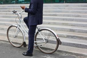 Mobile businessmanの写真素材 [FYI00765105]