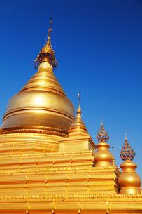 Kuthodaw Pagoda, Myanmar,Kuthodaw Pagoda, Myanmar,Kuthodaw Pagoda, Myanmar,Kuthodaw Pagoda, Myanmarの写真素材 [FYI00765815]
