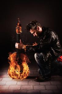burning guitarの素材 [FYI00765849]