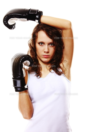 fit woman boxing - isolated over whiteの写真素材 [FYI00765945]