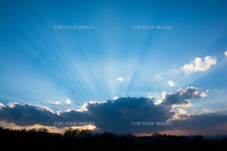 夕暮れの空の写真素材 [FYI00766347]