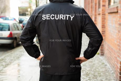 Security Guard Wearing Jacketの写真素材 [FYI00767564]
