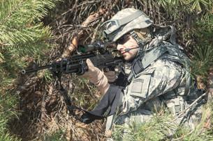 marksman in actionの写真素材 [FYI00768245]