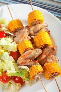 Chicken wings with corn skewers,Chicken wings with corn skewers,Chicken wings with corn skewers,Chicken wings with corn skewers,Chicken wings with corn skewers,Chicken wings with corn skewers,Chicken wings with corn skewers,Chicken wings with corn skewersの素材 [FYI00768424]