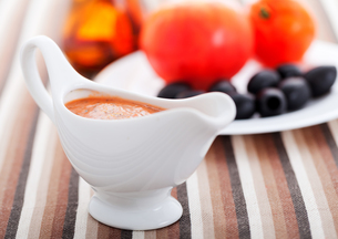 Tomato sauce with olives,Tomato sauce with olives,Tomato sauce with olives,Tomato sauce with olivesの写真素材 [FYI00768449]
