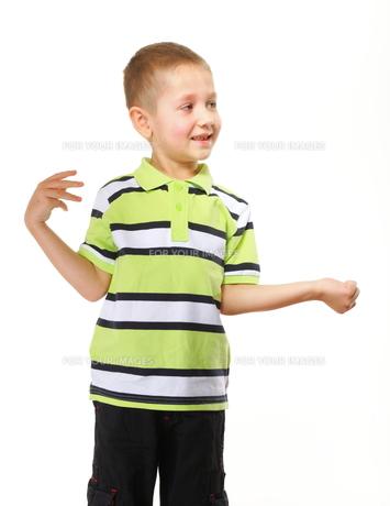 little happy boy preschooler portraitの素材 [FYI00768614]