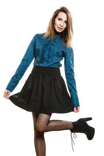 pretty young woman fashion model in retro styleの素材 [FYI00769177]