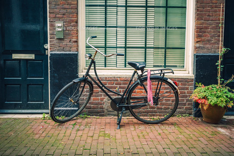 Bicycle in Amsterdamの素材 [FYI00770038]
