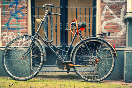 Bicycle in Amsterdamの素材 [FYI00770049]