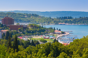 View of Portoroz town, Slovenai.の写真素材 [FYI00770093]