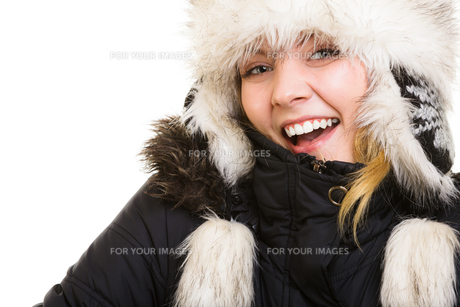 winter vacation. cheerful girl in warm clothes.の素材 [FYI00770514]