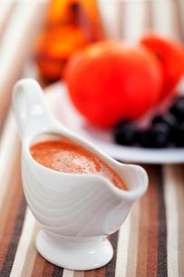 Tomato sauce with olives,Tomato sauce with olives,Tomato sauce with olives,Tomato sauce with olivesの写真素材 [FYI00771062]