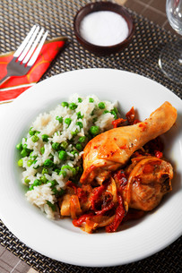 Chicken with rice and tomato sauce,Chicken with rice and tomato sauce,Chicken with rice and tomato sauce,Chicken with rice and tomato sauceの写真素材 [FYI00771115]