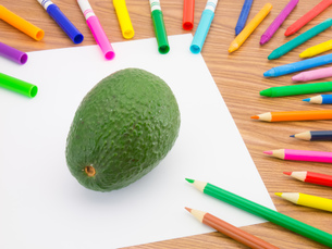 Drawing Avocadoの写真素材 [FYI00771212]