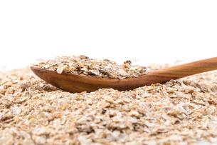 Whole grain, rolled oatsの写真素材 [FYI00771465]