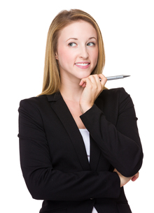 Young caucasian Businesswoman think of the ideaの写真素材 [FYI00771551]