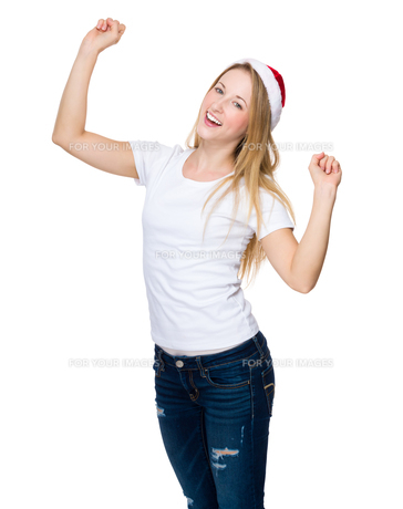 Excited woman with christmas hatの写真素材 [FYI00771599]