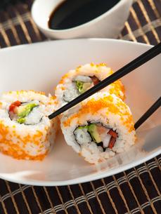 Uramaki sushi,Uramaki sushiの写真素材 [FYI00771790]