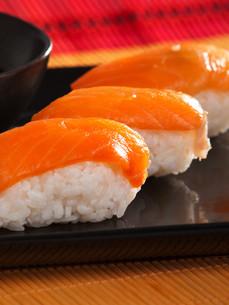Nigiri Sushi,Nigiri Sushi,Nigiri Sushi,Nigiri Sushiの写真素材 [FYI00771820]