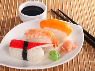 Nigiri Sushi,Nigiri Sushiの写真素材 [FYI00771824]