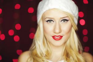 Beautiful Christmas girlの写真素材 [FYI00771993]