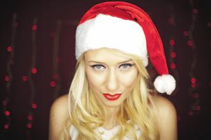 Blonde Christmas girlの写真素材 [FYI00772022]