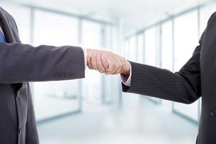 handshakeの素材 [FYI00772363]