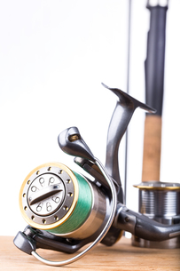 fishing rod and reel with lineの写真素材 [FYI00772432]