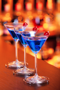Cocktails Collection - Blue Martiniの写真素材 [FYI00772817]