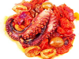 Octopus with tomato sauce and olives,Octopus with tomato sauce and olives,Octopus with tomato sauce and olives,Octopus with tomato sauce and olivesの写真素材 [FYI00772989]