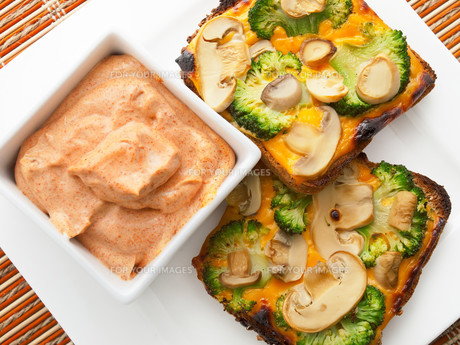 Toasts with broccoli and mushrooms,Toasts with broccoli and mushrooms,Toasts with broccoli and mushrooms,Toasts with broccoli and mushrooms,Toasts with broccoli and mushrooms,Toasts with broccoli and mushrooms,Toasts with broccoli and mushrooms,Toasts witの素材 [FYI00772991]