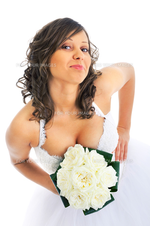 Young bride with wedding bouquet,Young bride with wedding bouquetの写真素材 [FYI00773330]